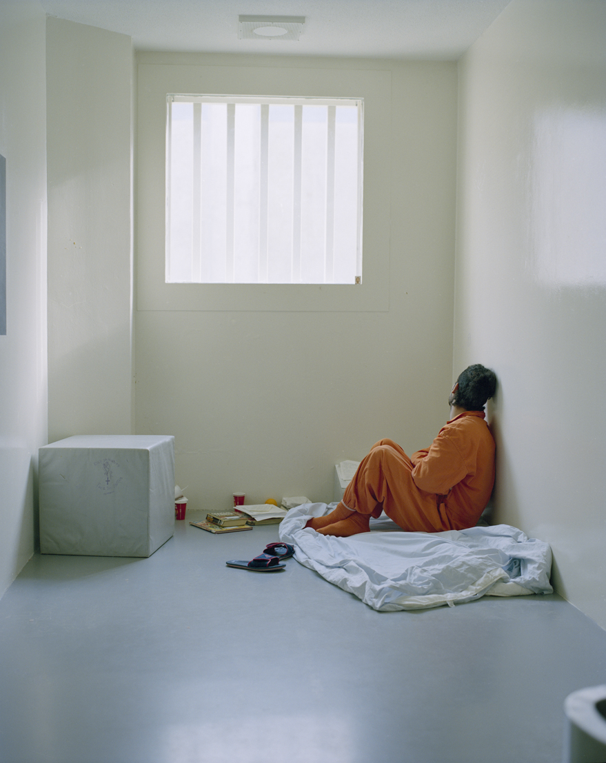 PI jongen in isoleercel neg016 10 Tryntsje Nauta